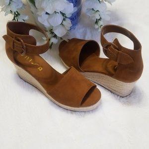 UNISA Wedge Sandals Color Tan Size 8M